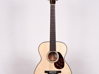 Bourgeois 00 Acacia/Italian Wood Deluxe $5995