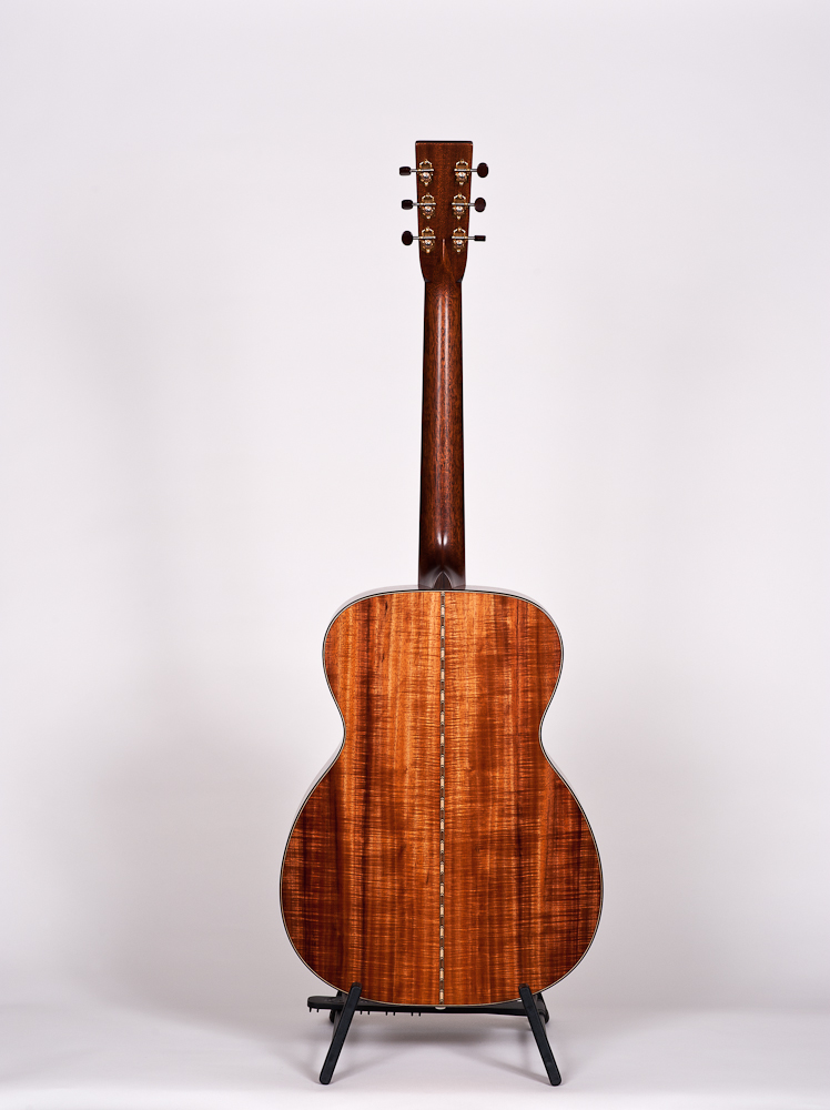 Bourgeois 00 Wood Deluxe Acacia/Italian Spruce - new