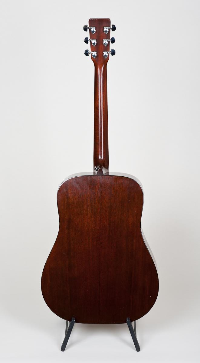 Martin D-18 (1972)