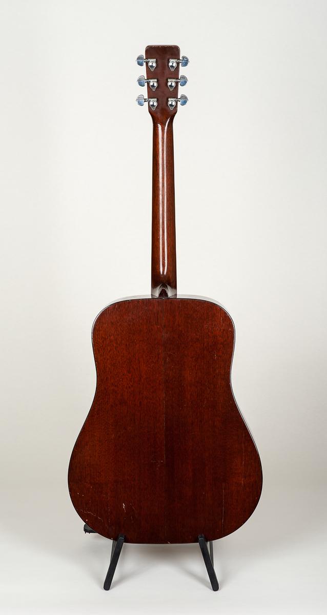 Martin D-18 (1965)